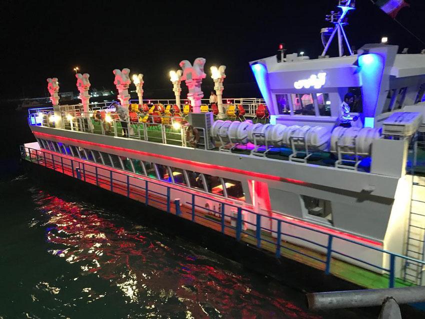 عکس کشتی تفریحی کیش