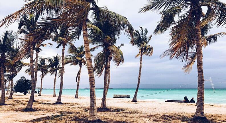 بهترین ساحل کیش برای شنا